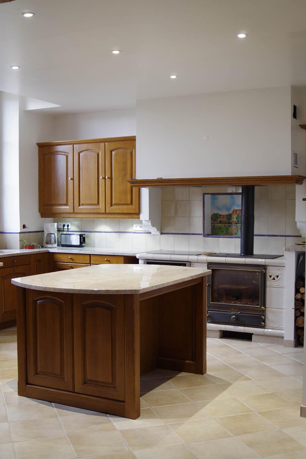 cuisine en ch ne massif henry 39 s d coration. Black Bedroom Furniture Sets. Home Design Ideas