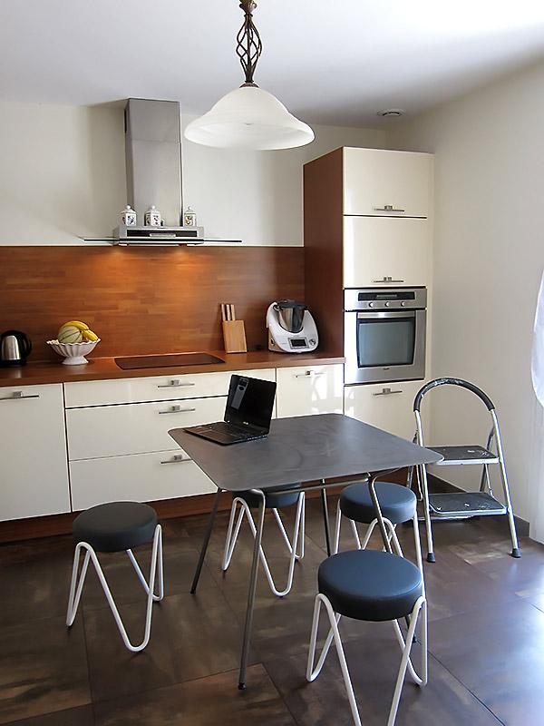 l'aménagement de l'ancienne cuisine avant la réalisation des travaux.