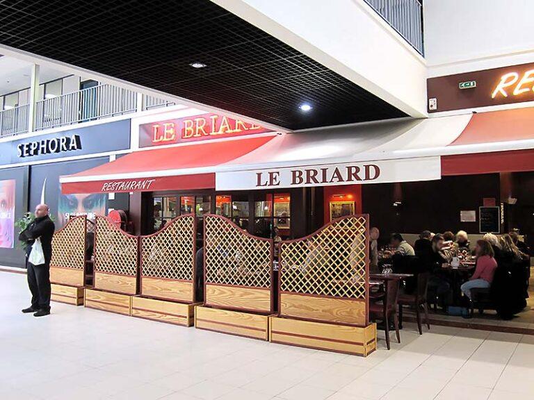 """Ancienne devanture du restaurant """"Le Briard"""""""