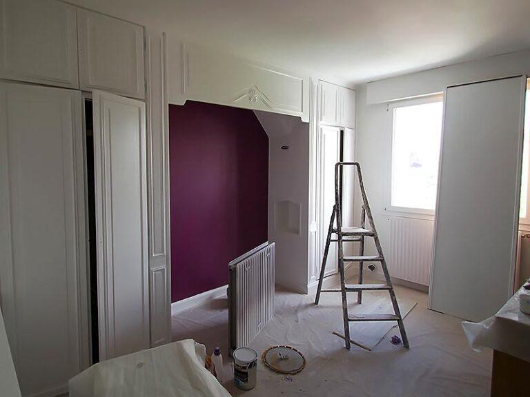 Travaux e peinture dans la chambre parentale.