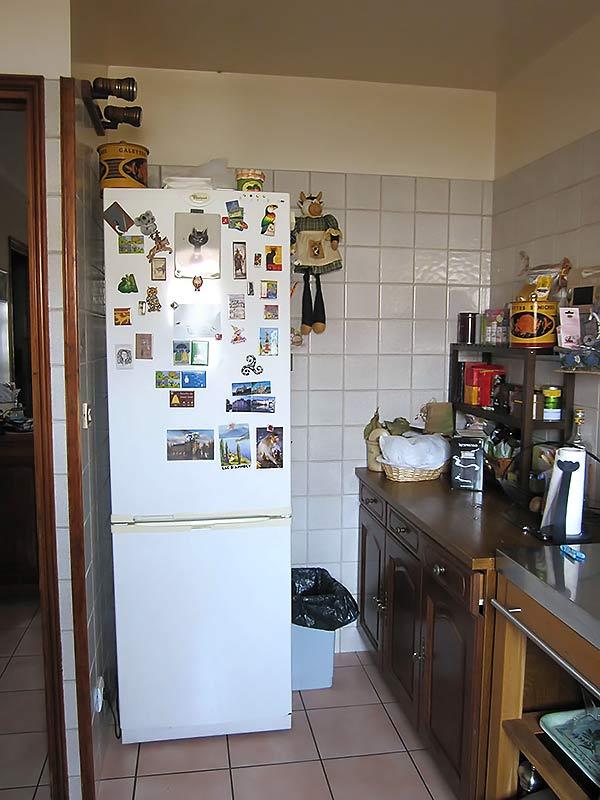 La cuisine côté froid avant le dépose de la cloison