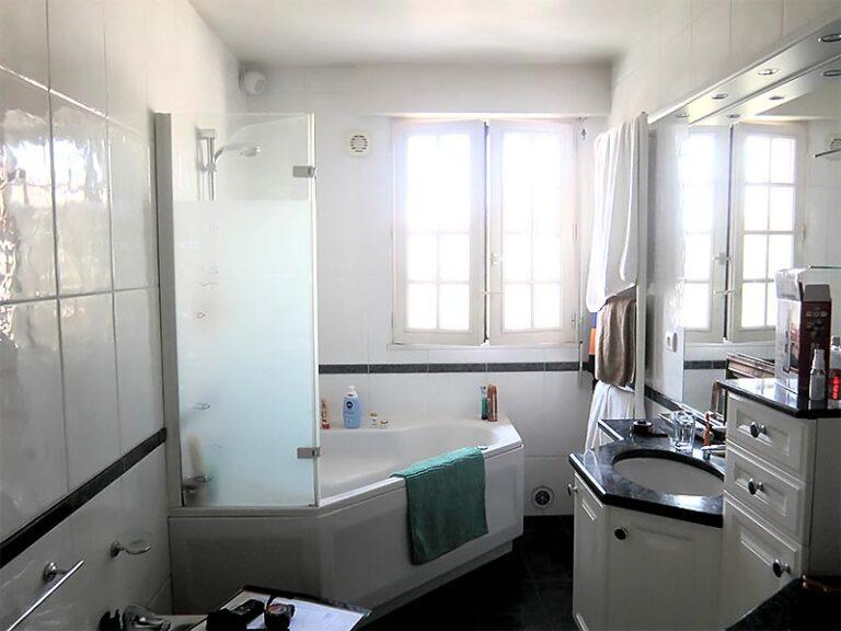 L'ancienne salle de bain.